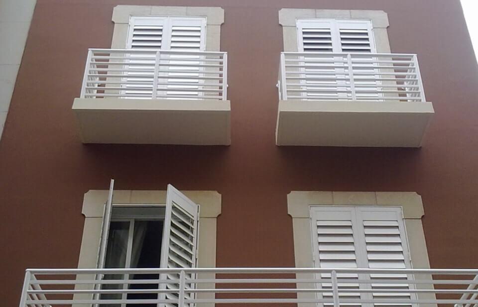 Pintura exterior fachada trendy obra realizada en pared - Pintura fachada exterior ...